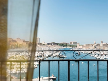 Marseille vacations package save up to 570 expedia - Grand hotel beauvau marseille vieux port ...