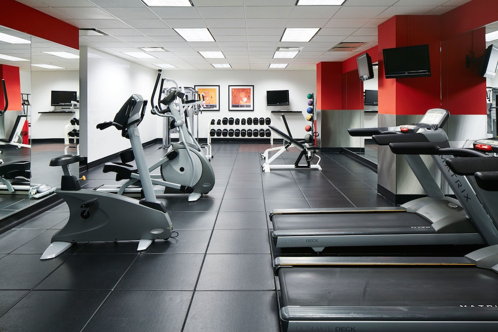 Fitness Facility, Club Quarters Hotel, Central Loop