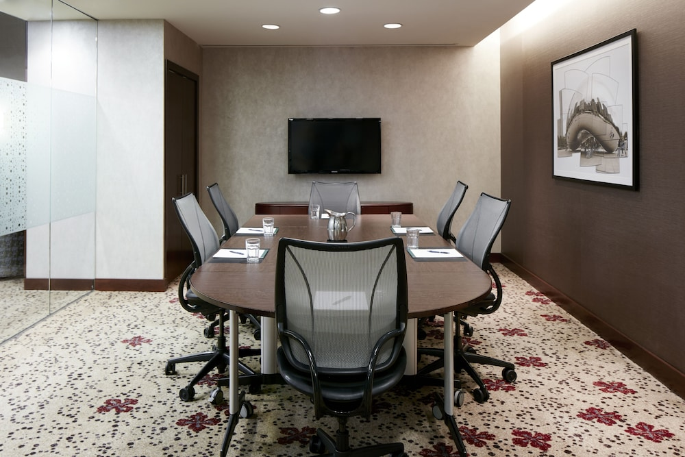 Business Center, Club Quarters Hotel, Central Loop