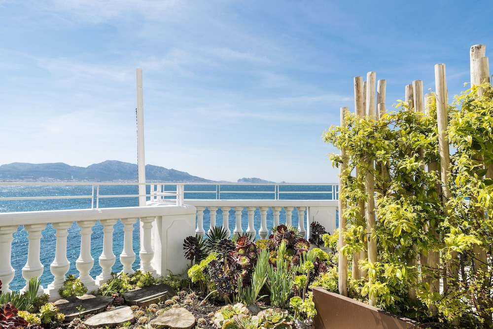 Le petit nice passedat in marseille hotel rates reviews on orbitz - Le petit cabanon marseille ...