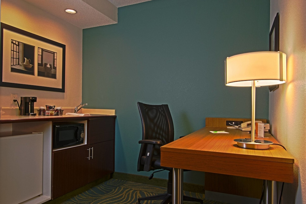 Private Kitchen, SpringHill Suites by Marriott Hershey Near the Park