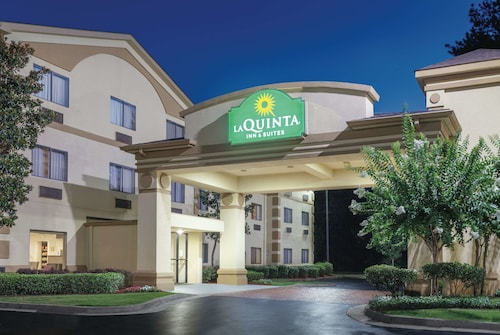 La Quinta Inn & Suites by Wyndham Jackson Airport