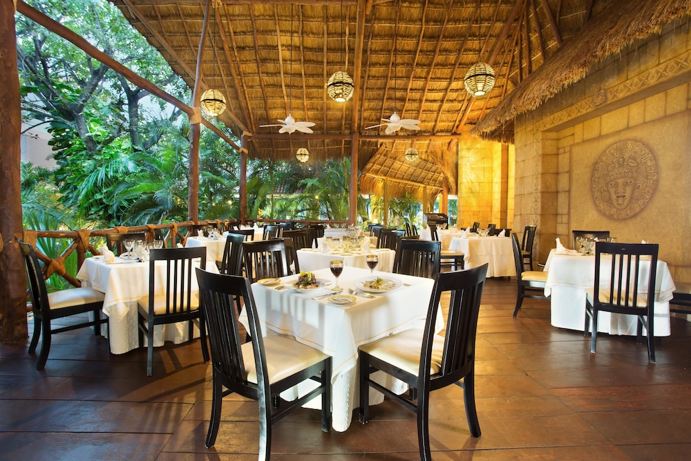 Restaurant, Viva Wyndham Azteca Resort - All Inclusive