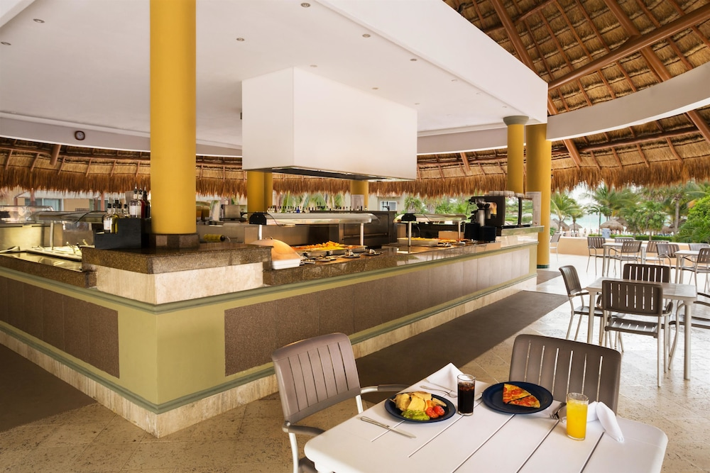 Snack Bar, Viva Wyndham Azteca Resort - All Inclusive
