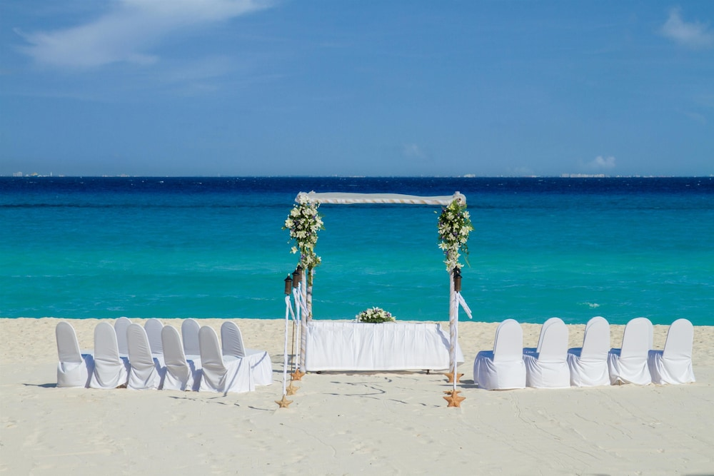 Outdoor Wedding Area, Viva Wyndham Azteca Resort - All Inclusive