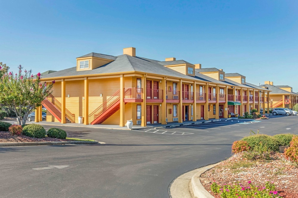 Featured Image, Quality Inn Bessemer I-20 exit 108