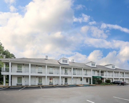 Check Expedia for Availability of Quality Inn Bainbridge