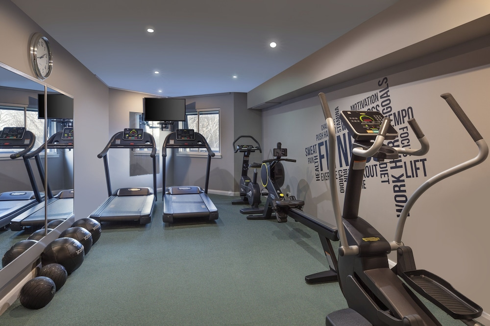 Gym, Leonardo London Heathrow Airport