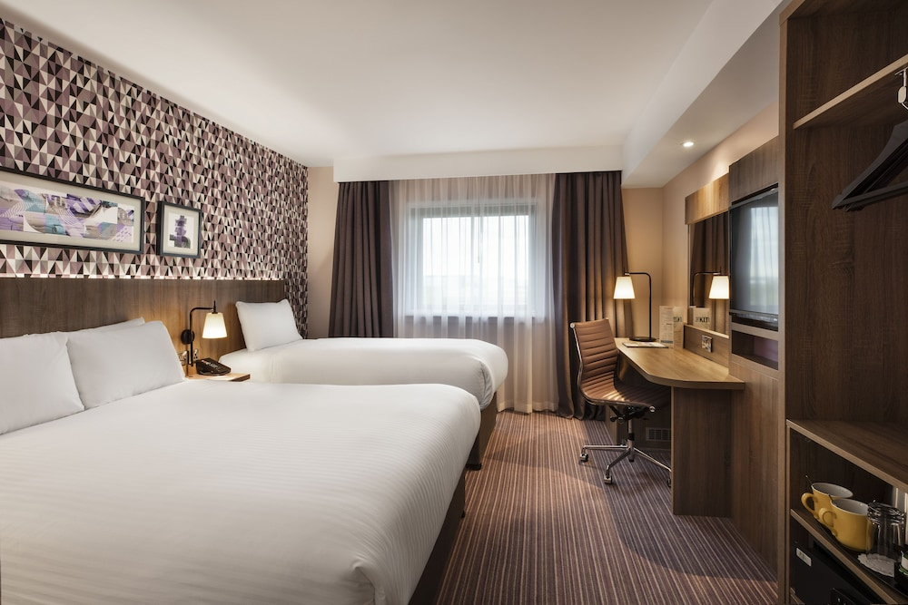 Room, Leonardo London Heathrow Airport