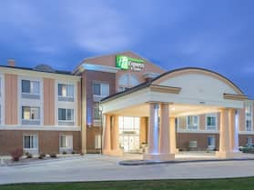 Holiday Inn Express & Suites Ames, an IHG Hotel