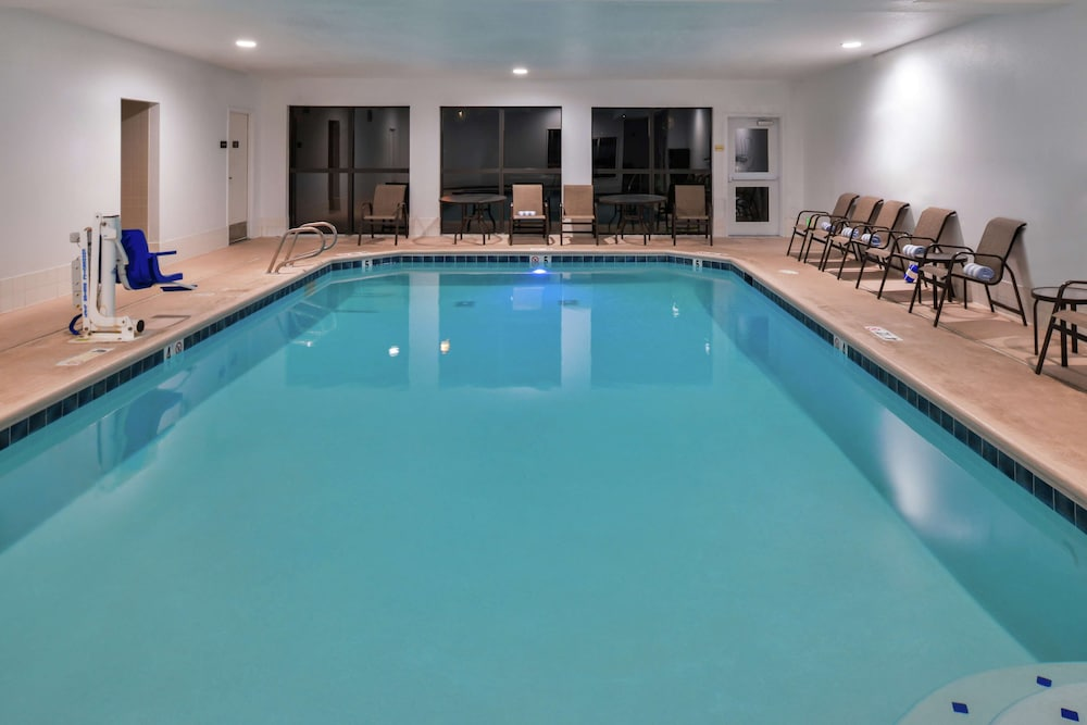 Pool, Hampton Inn Eugene