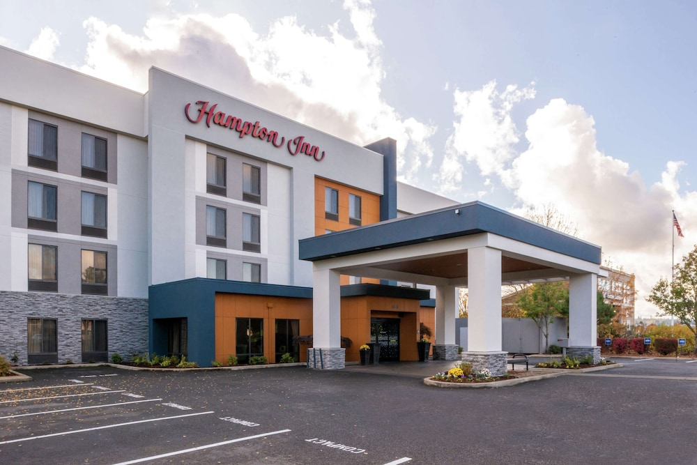 Featured Image, Hampton Inn Eugene