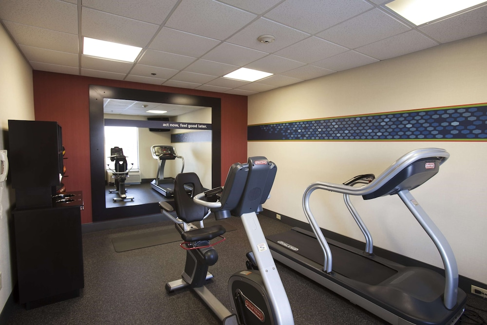 Fitness Facility, Hampton Inn Moultrie