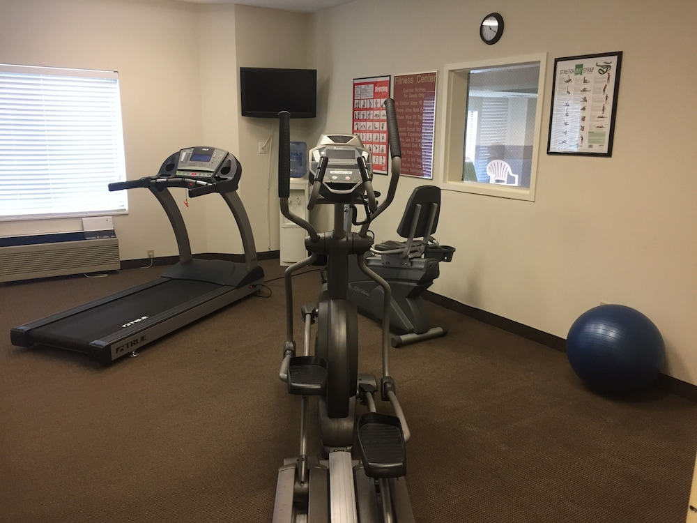Fitness Facility, Sleep Inn & Suites Queensbury - Glens Falls