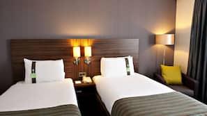 20 bedrooms, premium bedding, desk, iron/ironing board