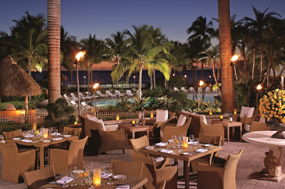 Outdoor Dining, The Ritz-Carlton Key Biscayne, Miami