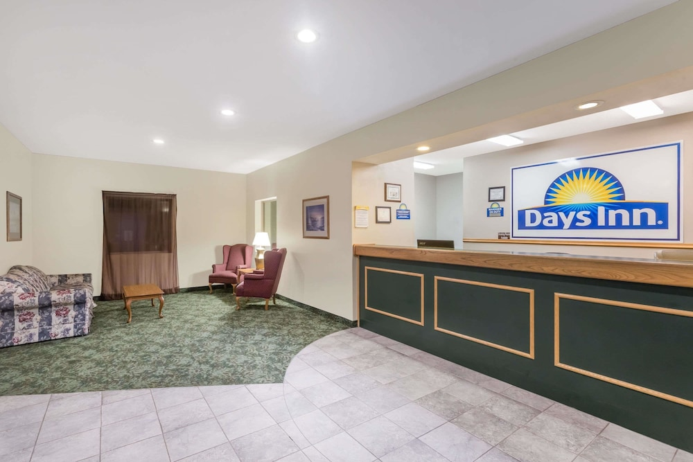 Lobby, Days Inn by Wyndham Manchester