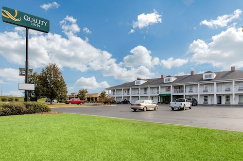 Check Expedia for Availability of Quality Inn Scottsboro