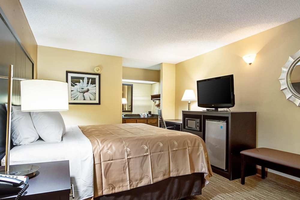 Room, Quality Inn Thomaston