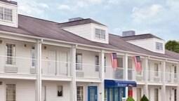 Baymont Inn & Suites Tullahoma