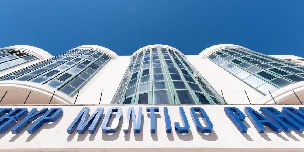 Front of Property, TRYP Lisboa Montijo Parque Hotel