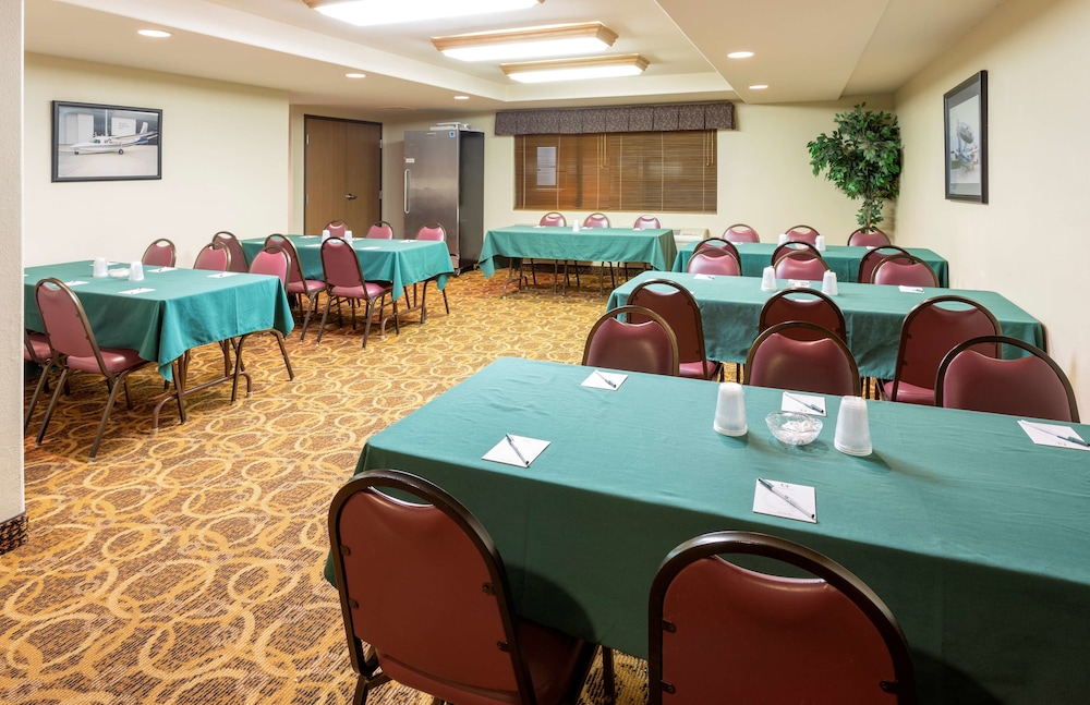 Meeting Facility,  GrandStay Hotel & Suites Peoria