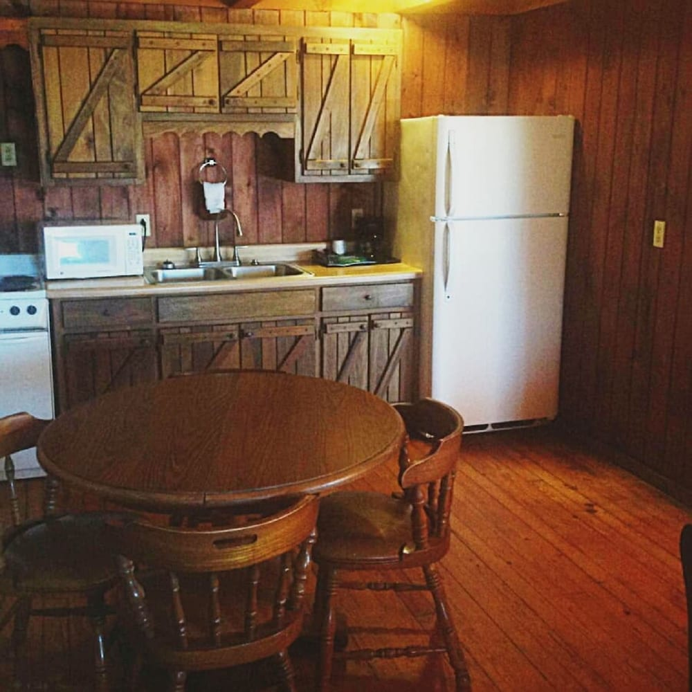 Private Kitchen, The Smokehouse Lodge and Cabins