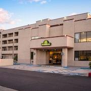 Hotels Near San Manuel Amphitheater Book The Closest Hotels