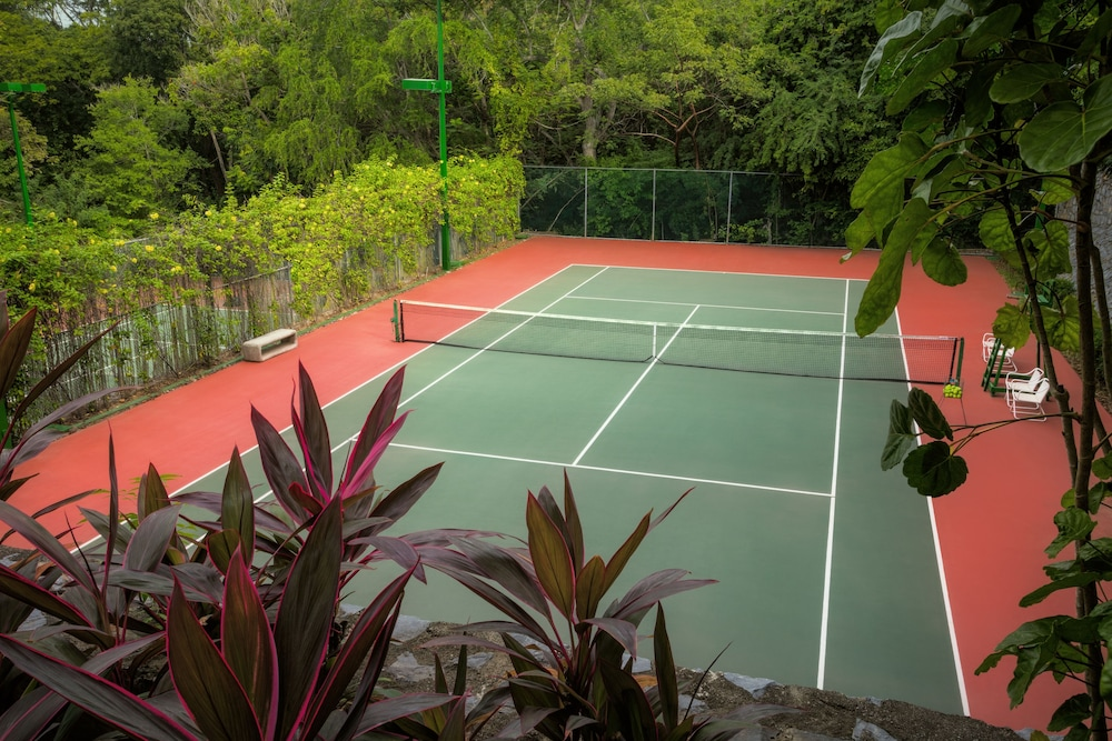 Sports Facility, Las Brisas Ixtapa