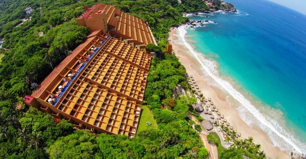 Featured Image, Las Brisas Ixtapa