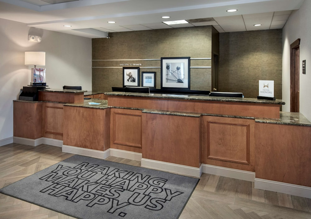 Reception, Hampton Inn Boston - Logan Airport