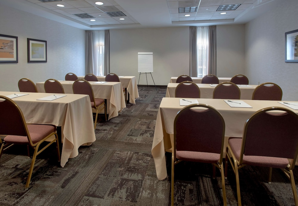 Meeting Facility, Hampton Inn Boston - Logan Airport