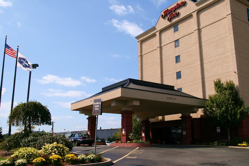 Front of Property, Hampton Inn Boston - Logan Airport