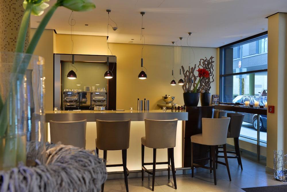 hotel santo deals reviews cologne deu wotif. Black Bedroom Furniture Sets. Home Design Ideas