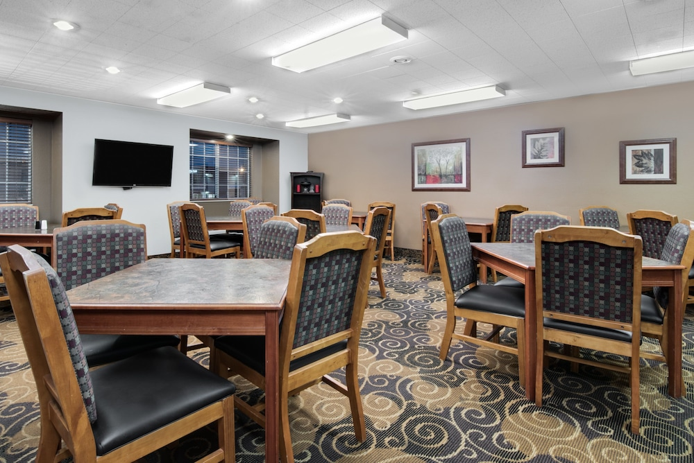 Dining, Microtel Inn & Suites by Wyndham Rapid City