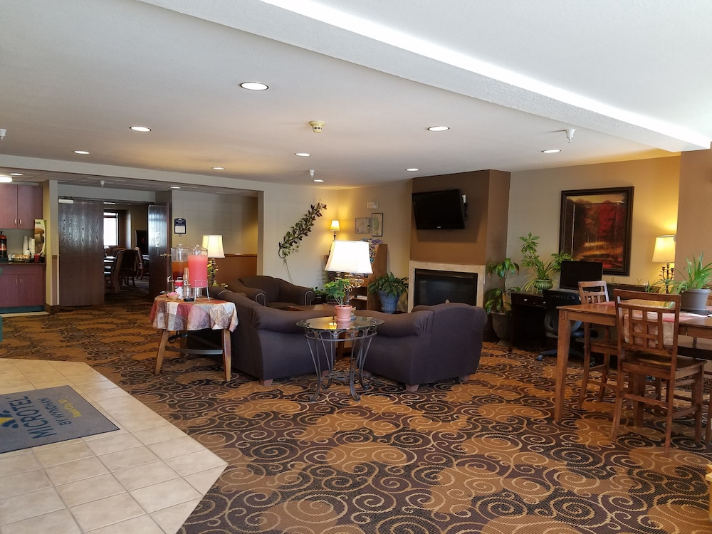 Lobby, Microtel Inn & Suites by Wyndham Rapid City