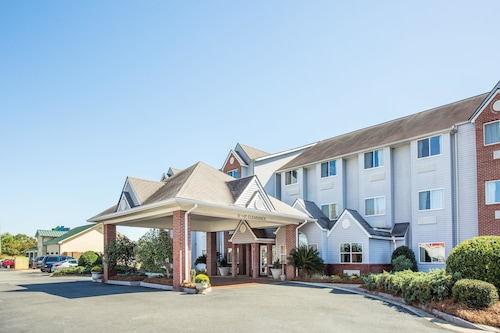 Great Place to stay Microtel Inn & Suites by Wyndham Tifton near Tifton
