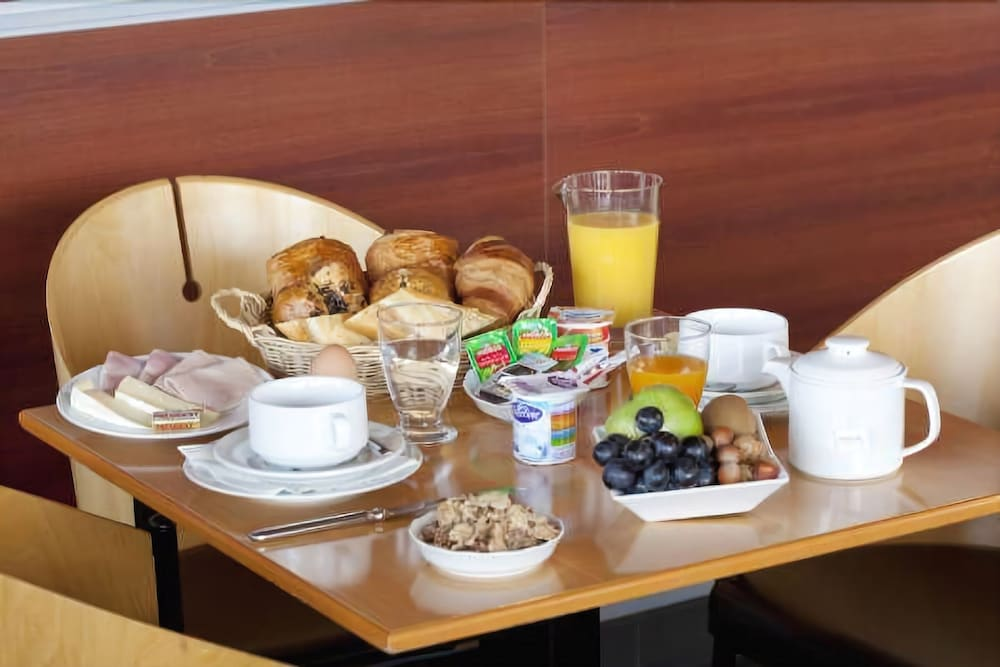 Breakfast Area, Hotel Lille Europe
