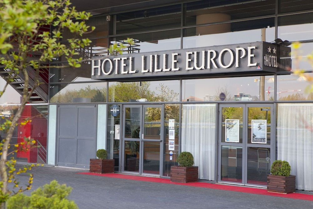 Front of Property, Hotel Lille Europe