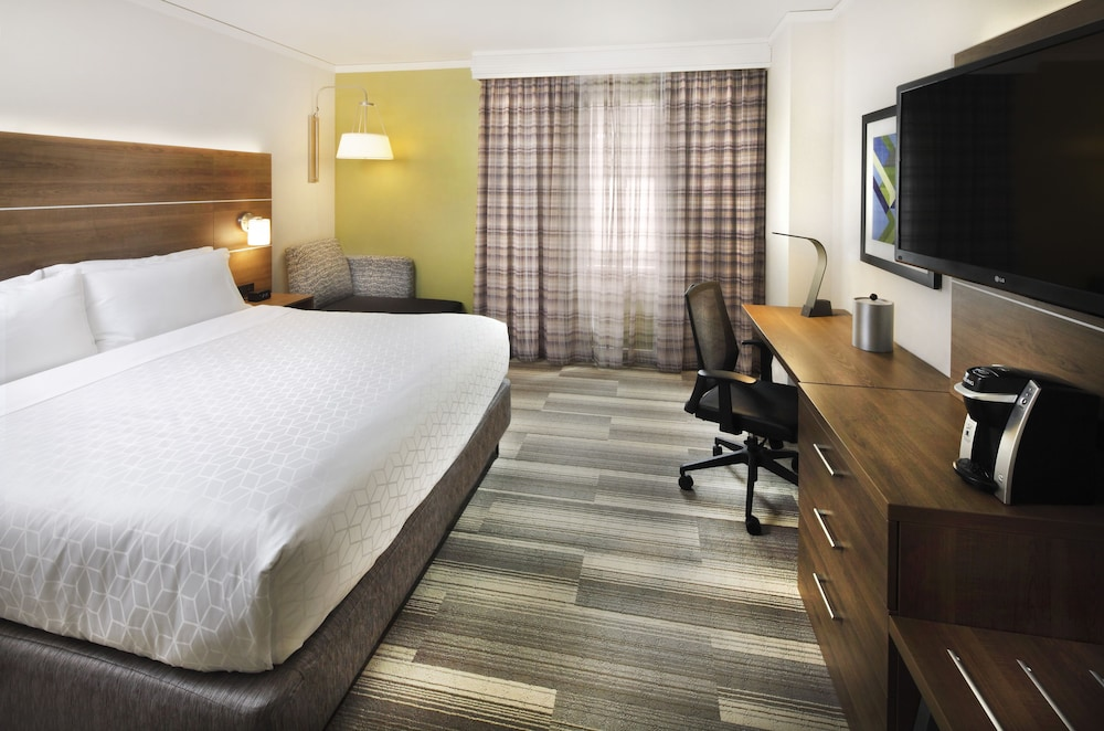 Room, Holiday Inn Express and Suites Fisherman's Wharf