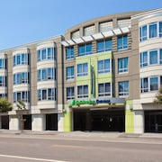 Holiday Inn Express and Suites Fisherman's Wharf