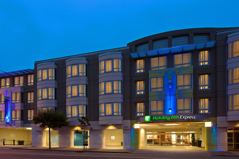 Exterior, Holiday Inn Express and Suites Fisherman's Wharf