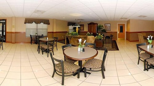 Breakfast Area, Home2 Suites by Hilton Goldsboro