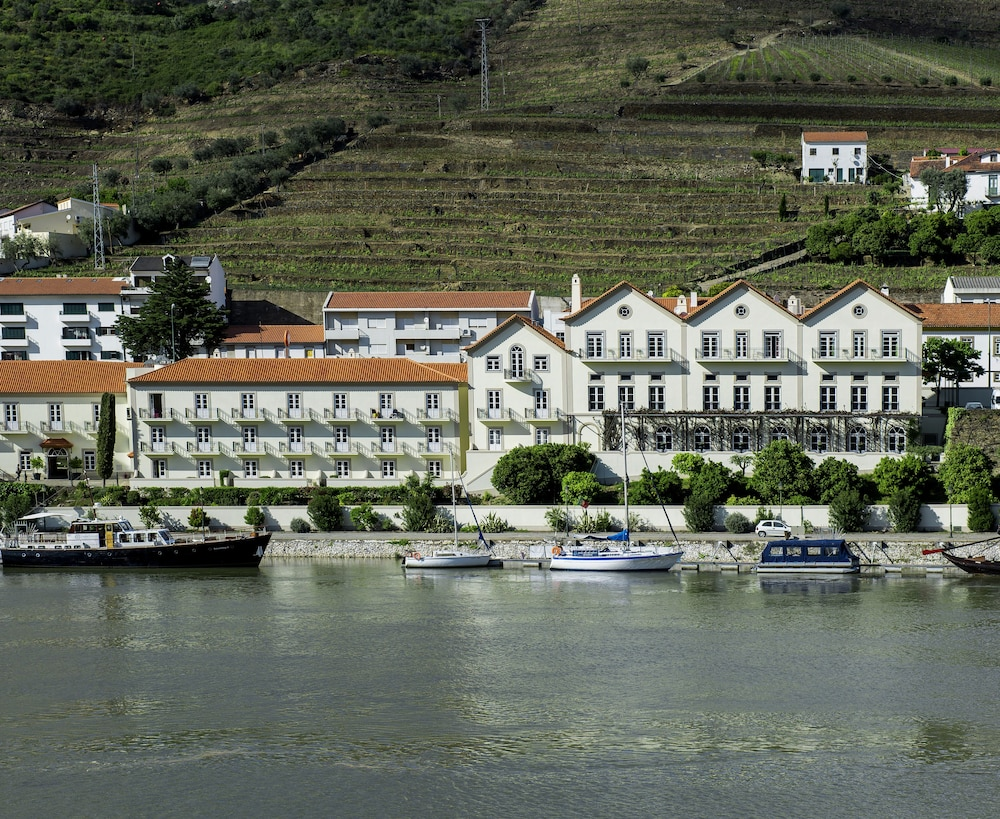 The vintage house douro reviews photos rates for Hotel luxury douro