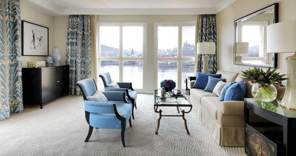 four seasons hotel prague prag empfehlungen fotos angebote. Black Bedroom Furniture Sets. Home Design Ideas