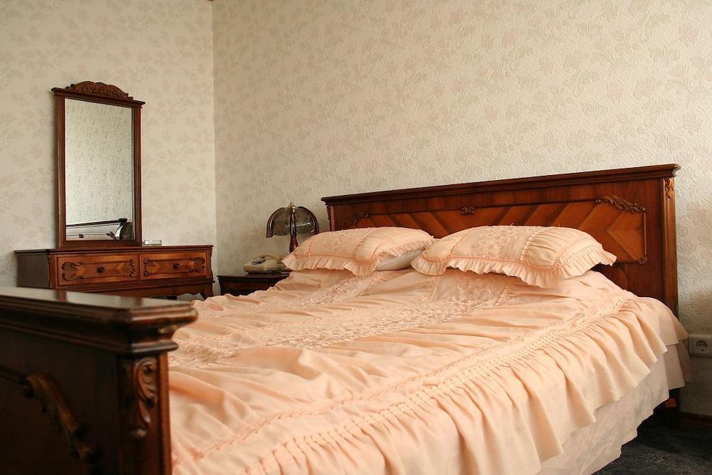 Hotel cosmos chisinau moldavia expedia