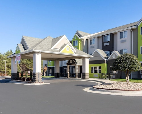 Quality Inn & Suites Ashland near Kings Dominion