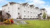 Microtel Inn & Suites by Wyndham Thomasville/High Point/Lexi - Thomasville Hotels