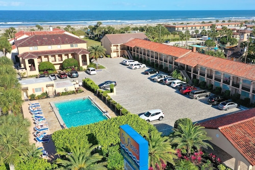 La Fiesta Ocean Inn And Suites