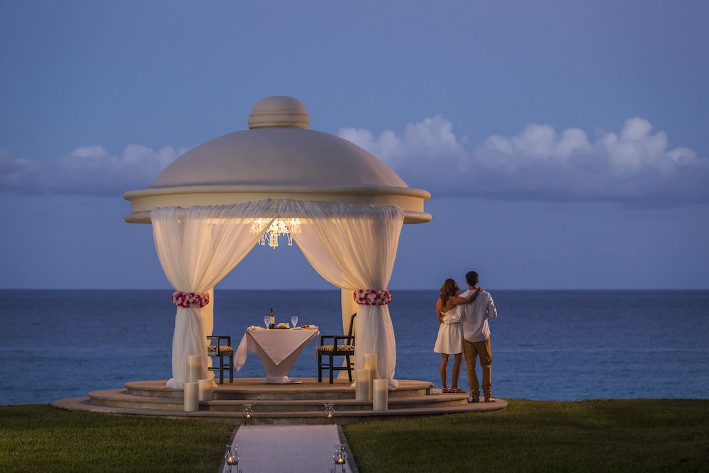 Couples Dining, JW Marriott Cancun Resort & Spa